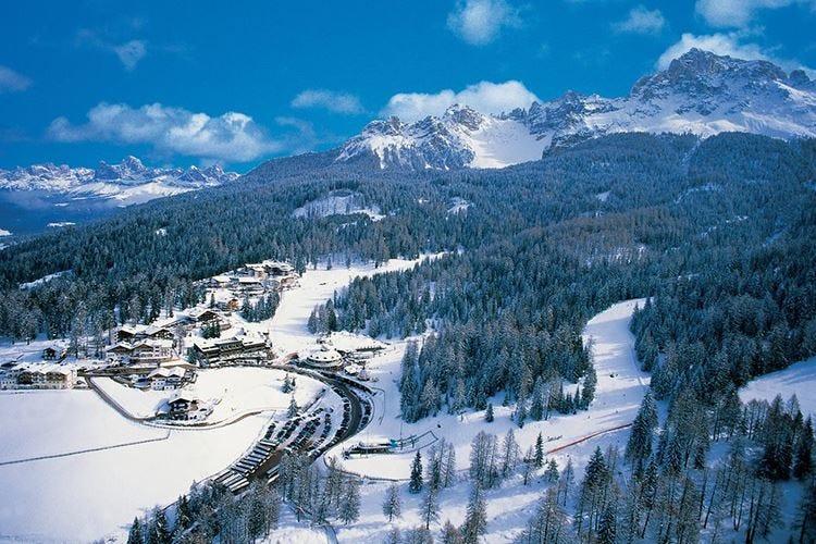 Safari bianco sulle Dolomiti Il Giro del Latemar con gli sci