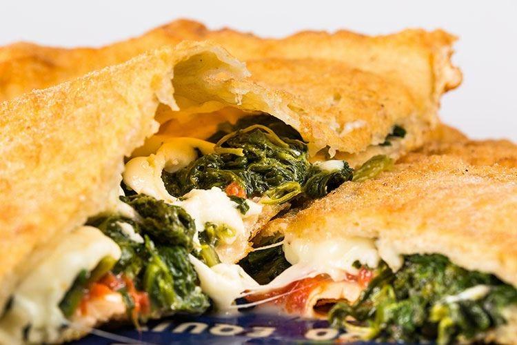 A Senigallia s'inforna Mezzometro L'originale pizza tutta italiana