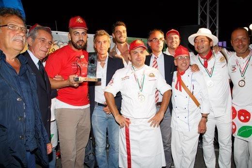 Valentino Libro primo classificato al Mondiale del Pizzaiuolo di Napoli