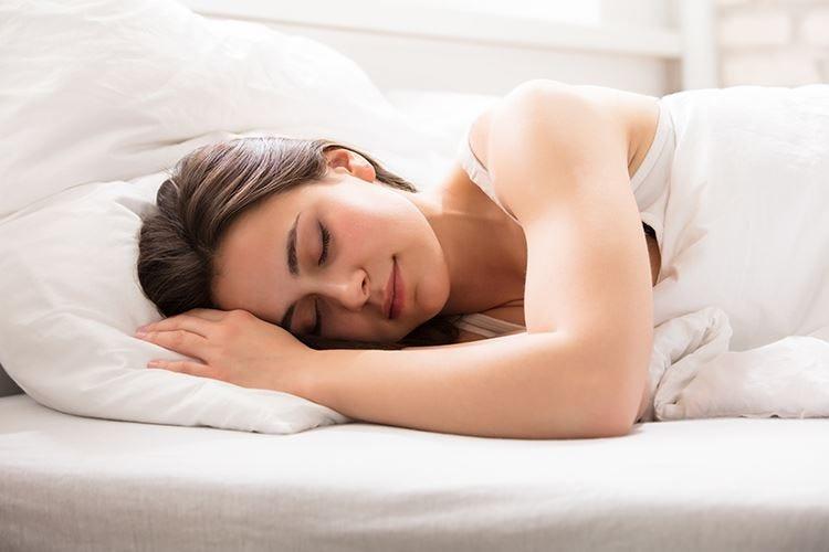 """Sonno, consigliate 7-8 ore a notte Ristoratore il """"sonnellino"""" pomeridiano"""