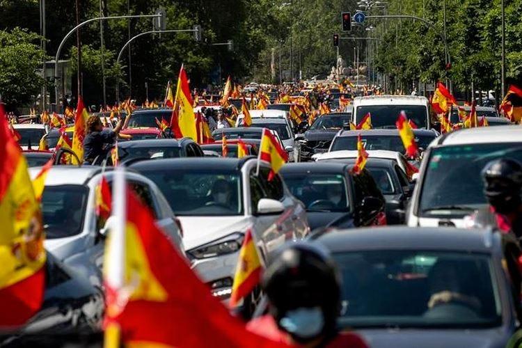 Spagna, proteste contro il Governo Sanchez: Turismo riparte da luglio