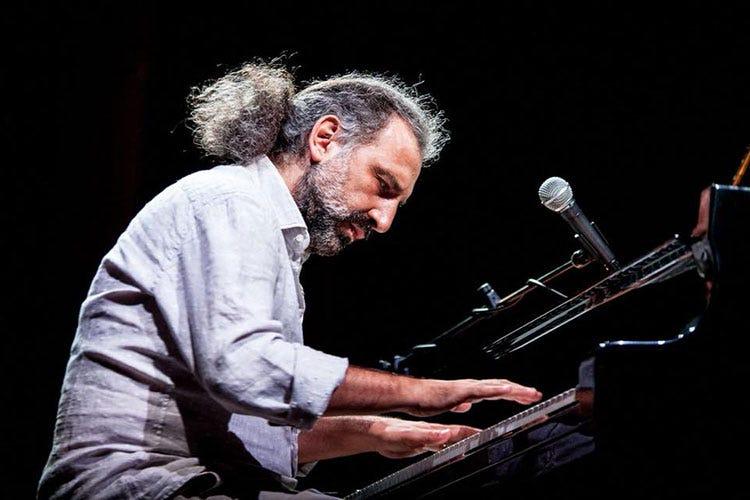 Spoleto, il 10° Premio Monini al musicista Stefano Bollani ...