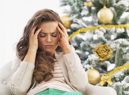 Tra regali di Natale, cene e parenti il danno collaterale è il troppo stress