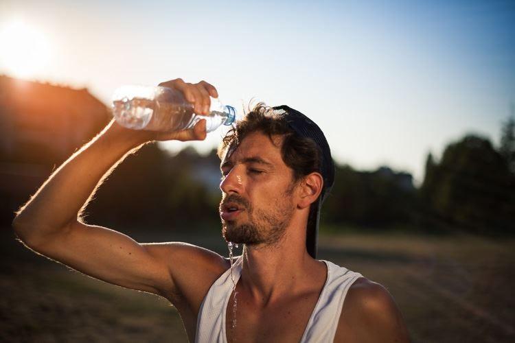 Il sudore elimina solo liquidi e sali Sfatato il mito delle tossine