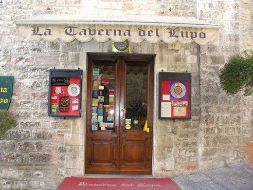 Ristorante Taverna Del Lupo A Gubbio Fiore Allocchiello Del