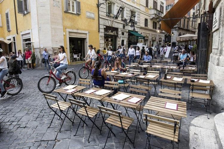 Dehors, a Roma troppi vincoli 2.500 locali rischiano di chiudere