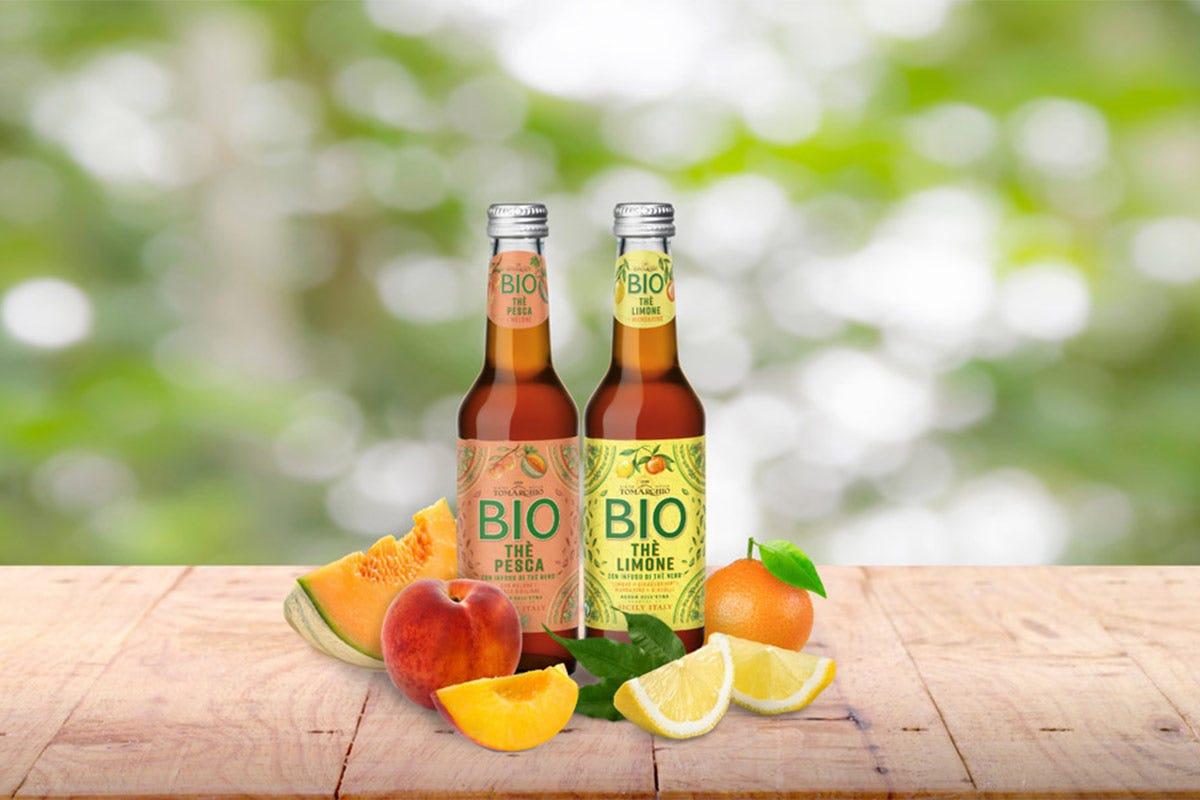 I Thè biologici Tomarchio ai gusti Pesca e Limone Da Sant'Anna e Tomarchio le bevande per dissetare l'estate