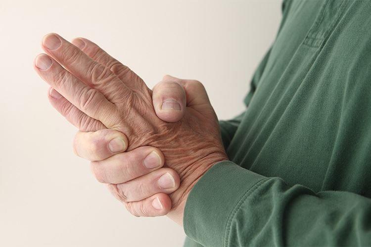 Il lavoro che comporta sforzo fisico aumenta il rischio di artrite reumatoide