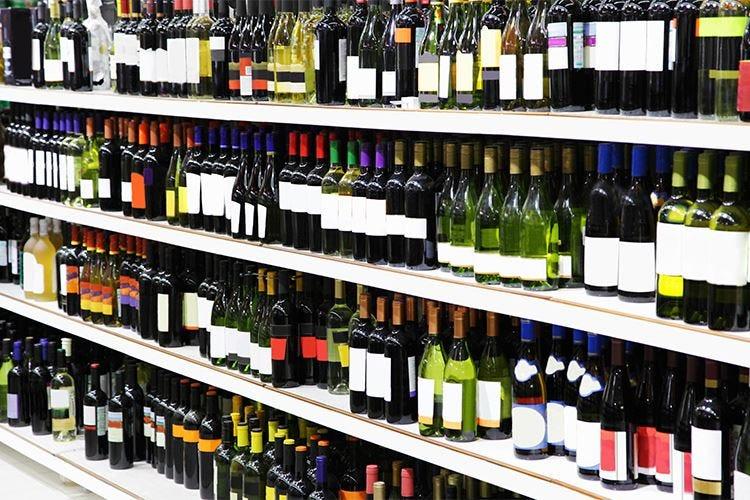 La contraffazione di vino e altri alcolici costa 1,3 miliardi di euro annui all'Ue