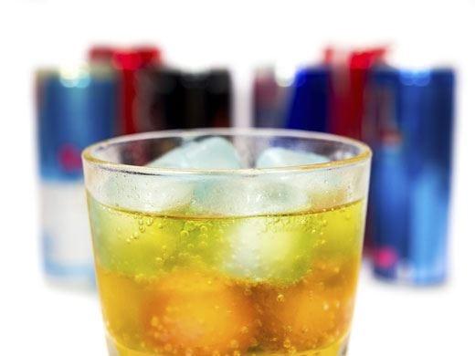 Energy drink alcolici, lo stop a Mosca Troppo rischiosi per i consumatori