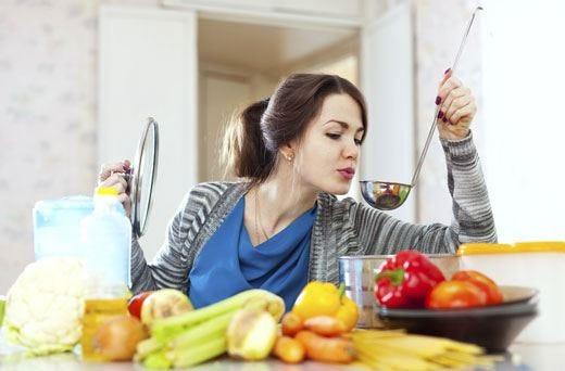 £$Home restaurant$£, condivisione irregolare Al lavoro per una chiara normativa