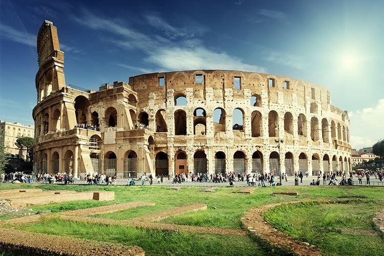 Roma, in calo gli arrivi negli alberghi Il turismo soffre, tanti i b&b abusivi