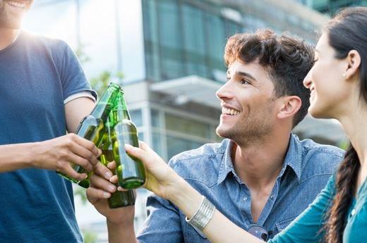 Conoscere l'alcol, parte la campagna che promuove il bere responsabile