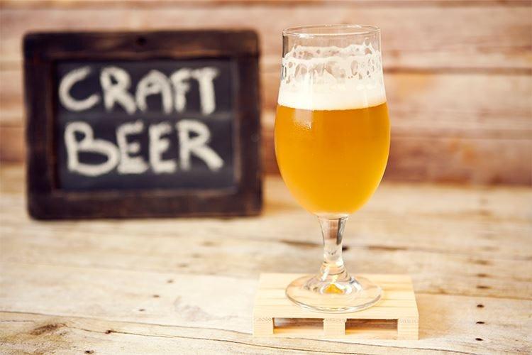 Contraddizioni della birra artigianaleStrizza l'occhio alla grande industria...