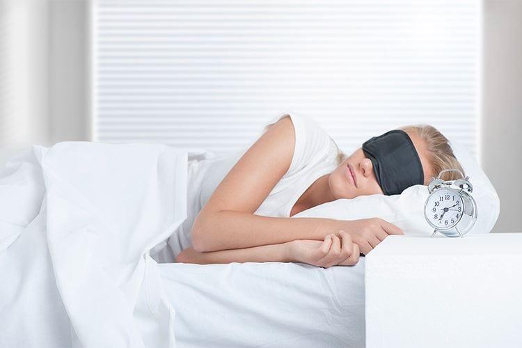 Le abitudini sociali incidono sul sonno Italiani tra i più dormiglioni nel mondo
