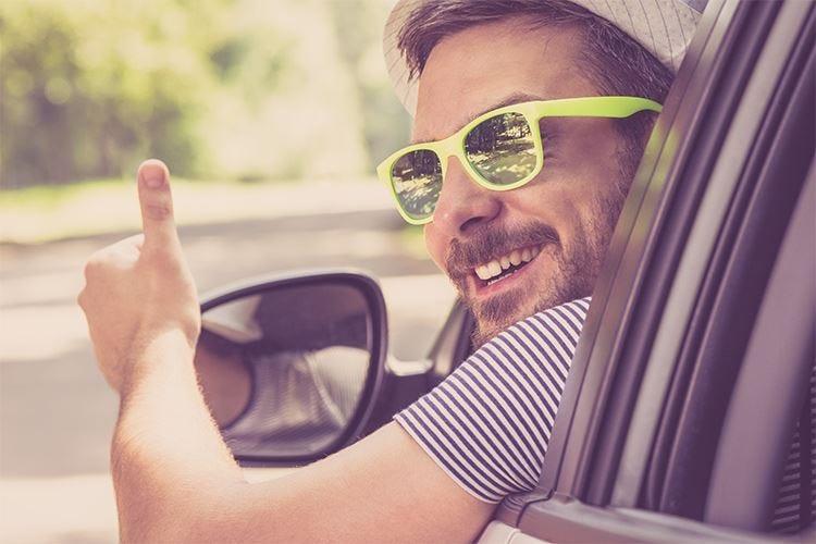 Occhiali da sole, indispensabili d'estate se proteggono dai raggi ultravioletti
