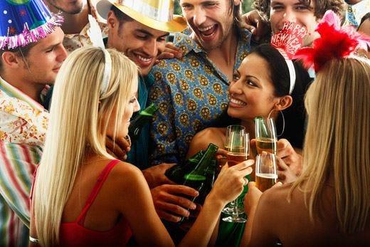 A Capodanno vince la tradizione a tavola Cenone fuori casa per 9 milioni di italiani