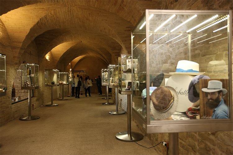 """L'""""esperienza Marche"""" comincia da Fermo Degustazioni nelle Cisterne Romane"""