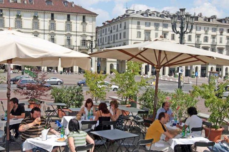 Torino rischia un'estate senza dehors Oltre 200 quelli fuorilegge