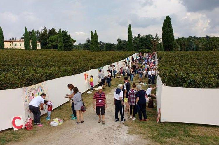 Un chilometro di arte tra le vigne in franciacorta si festeggia la vendemmia italia a tavola - Erbusco in tavola 2017 ...