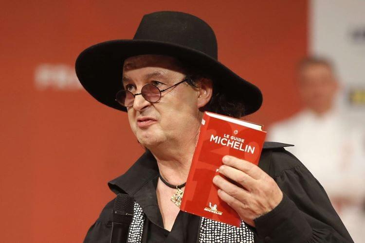 """Veyrat """"restituisce"""" le stelle La Michelin: Non gli appartengono"""