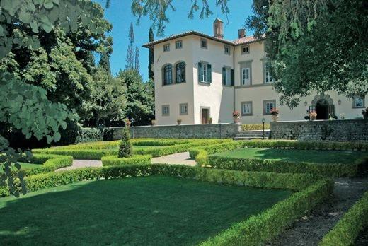 Villa di Piazzano riapre per la primavera Comfort e relax nel verde della Toscana