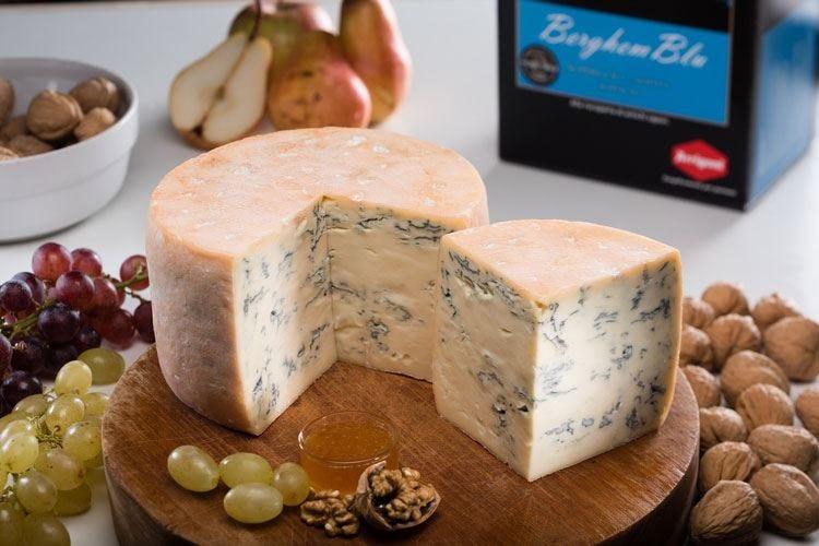 A tavola con i formaggi Arrigoni Guest star l'erborinato BerghemBlu