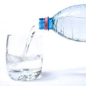 Gli italiani gran bevitori di... acqua Acquistano più minerale che vino