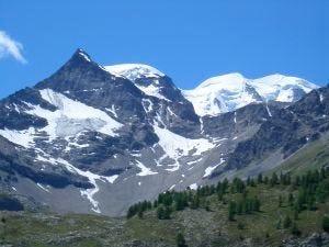 Riscaldamento globale del pianeta Tra 10 anni dimezzati i ghiacciai alpini