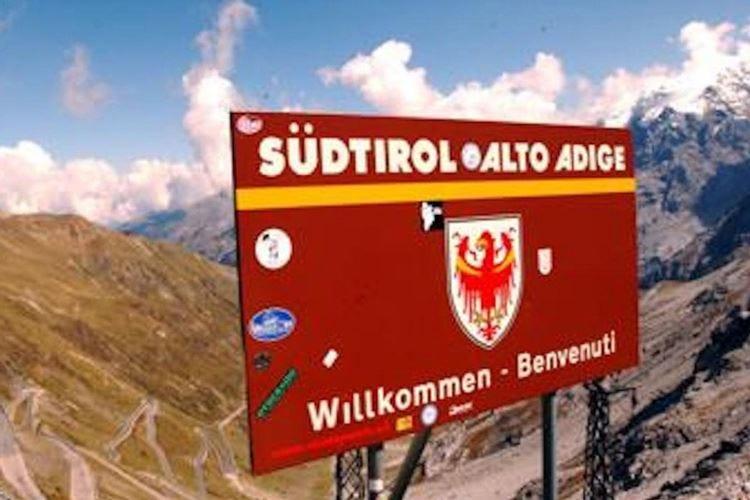 «Abolito l'Alto Adige». Anzi, no Sparirà solo da alcuni documenti