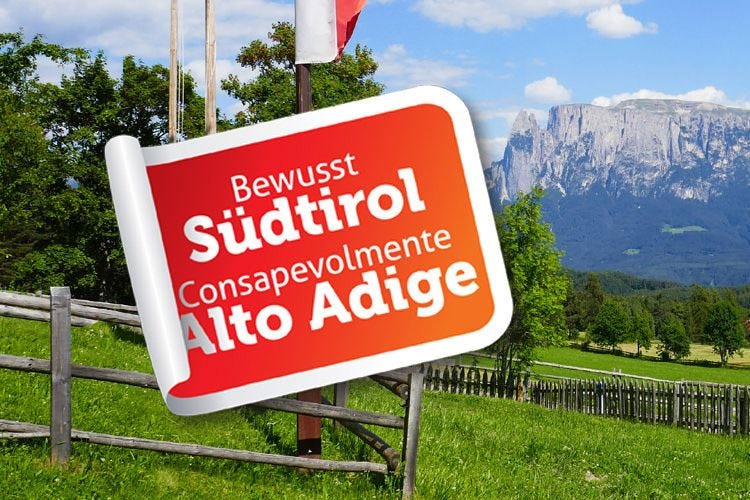 """Torna la scritta """"Alto Adige"""" Bolzano fa marcia indietro"""