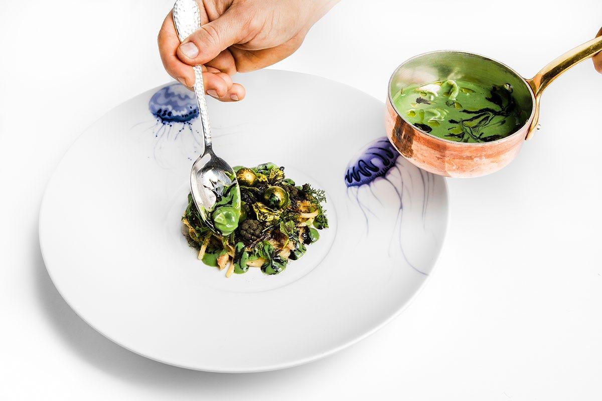 La firma di Enrico Bartolini su un piatto all'anguilla Longino