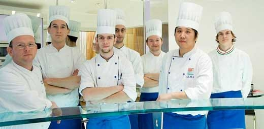 Anteprima di primavera a chiuduno riapre il ristorante innovativo italia a tavola - Brigata di cucina ...