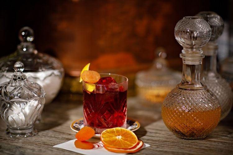 Archivio Storico, spicca la carta dei drink Nei cocktail i sapori tradizionali di Napoli
