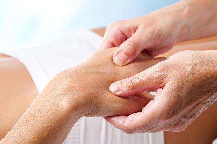 Artrite reumatoide, Prof. Selmi: fermare l'infiammazione oggi si può