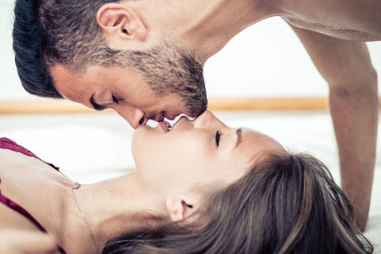 Il bacio aiuta il sistema immunitario Dose consigliata: 9 al giorno