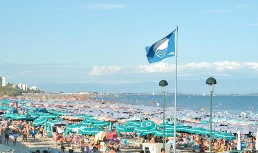 Bandiere blu a 246 spiagge Liguria in testa con 18 località