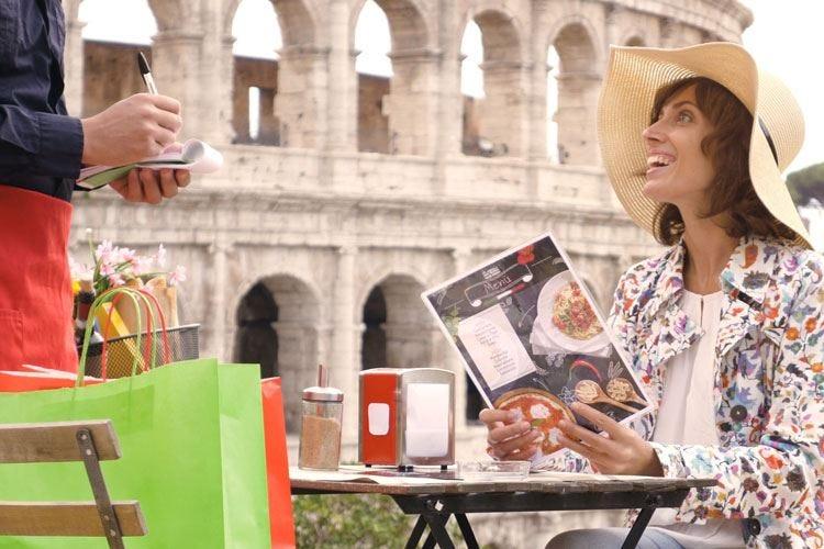 Bar e ristoranti, a Roma sono 22mila Un lavoratore su tre è straniero