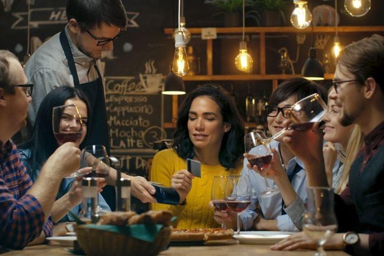 Bar e ristoranti, il saldo è negativo Nel 2018 chiusi 25.934 esercizi
