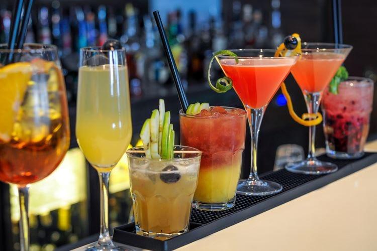 Roma, aperto il Bar Show Tra i cocktail spunta lo street food