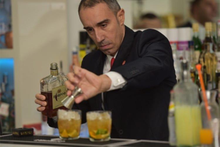 Un barman non smette mai di imparare Il motto del romano Davide Dattini
