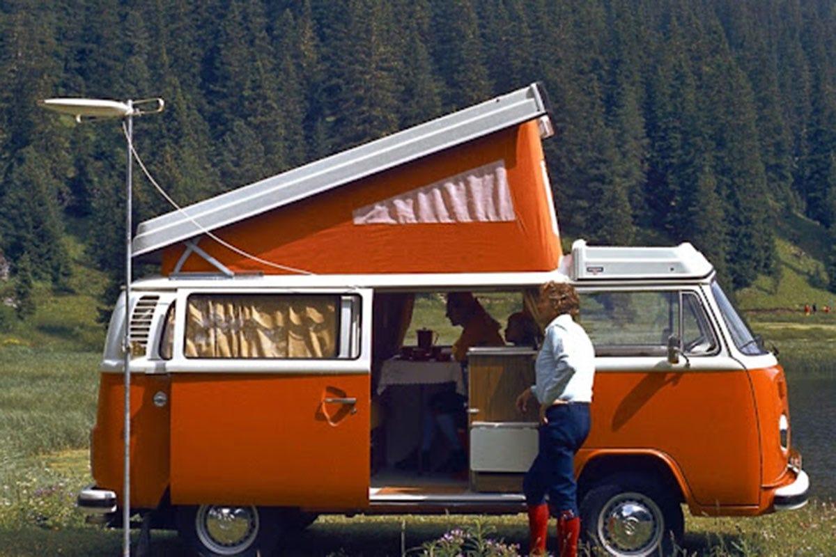 Wolkswagen Bulli. Fonte: Van generation Camper, ritorno al futuro. I trend d'autunno: agrisoste gratis e itinerari gourmet