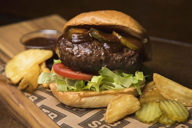 """Burger o texana, al """"Tspb"""" di Roma la carne è preparata in stile americano"""