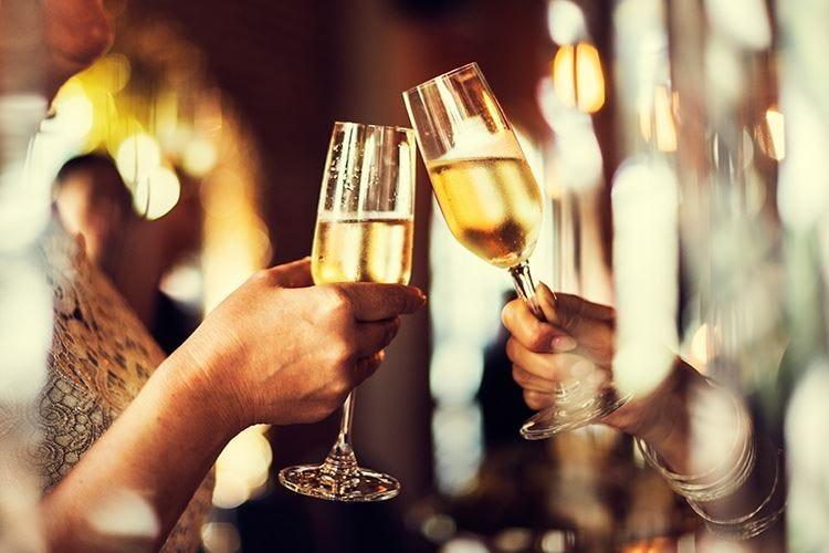 Capodanno si festeggia al ristorante 6,3 milioni di italiani a cena fuori