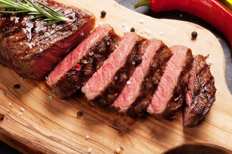 La carne aiuta le cure contro il tumore Sì a 500 g di rossa a settimana nella dieta