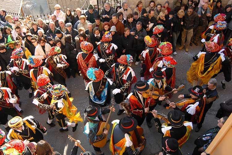 Il Carnevale di Bagolino Danza dell'oro tra colori e folklore
