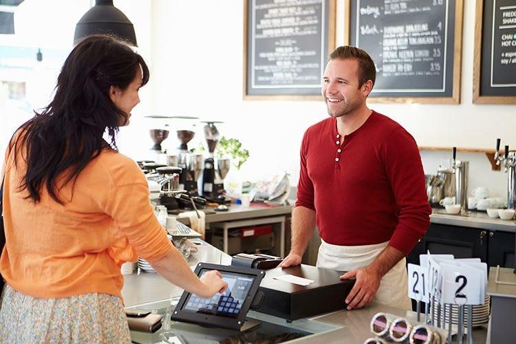 Carta di credito o contanti? L'Horeca si divide