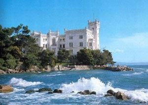 I due volti della stagione estiva in Friuli Trieste e Capriva, note liete e amare