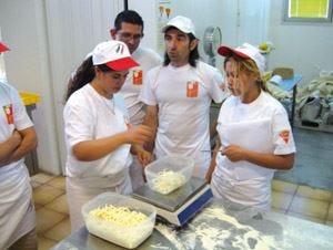 La Scuola italiana pizzaiolia lezione da Ceky