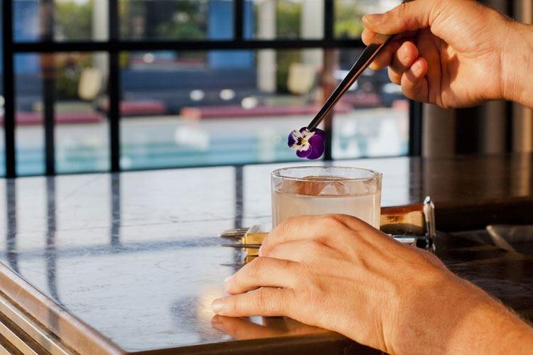 """Cocktail """"su misura"""" al Ceresio7 Con Sartorial il drink è di moda"""